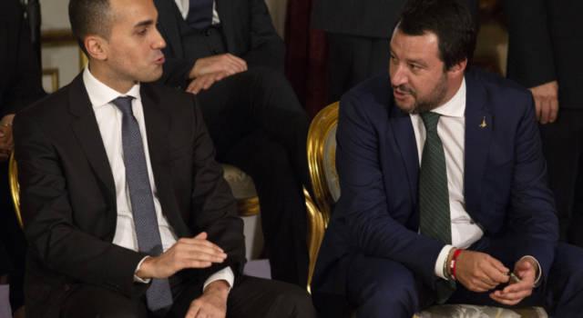 Flat Tax, polemiche nella maggioranza. Di Maio a Salvini: no promesse stile Berlusconi