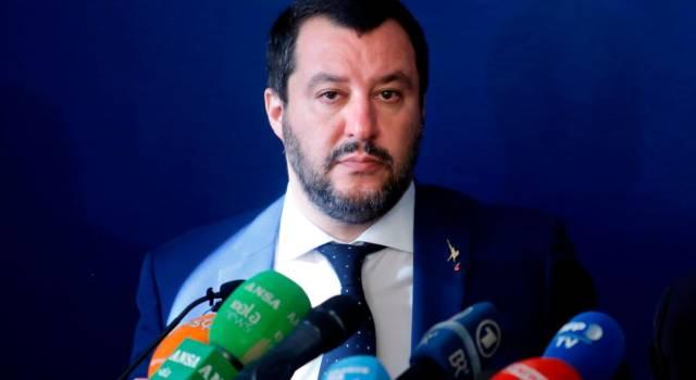 Salvini rilancia il piano per la Flat Tax e liquida l'Unione europea