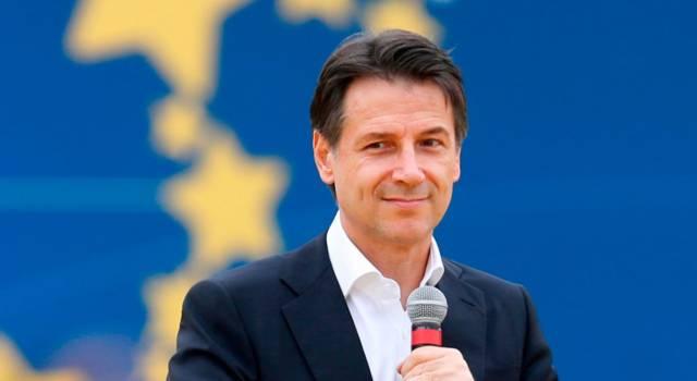 """Il premier Conte a Bari: """"UE e mercati scommettono sull'Italia"""""""